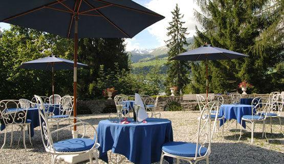 Beispiel: Terrasse, Foto: Schweizerhof Flims.