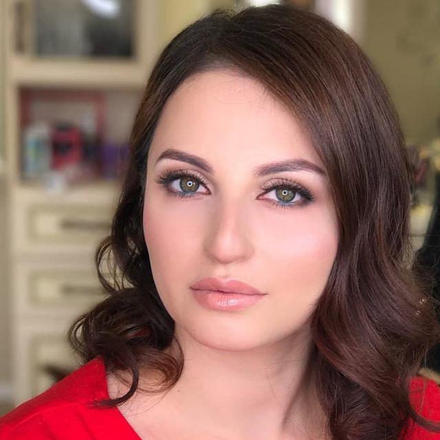 Viena Makeup