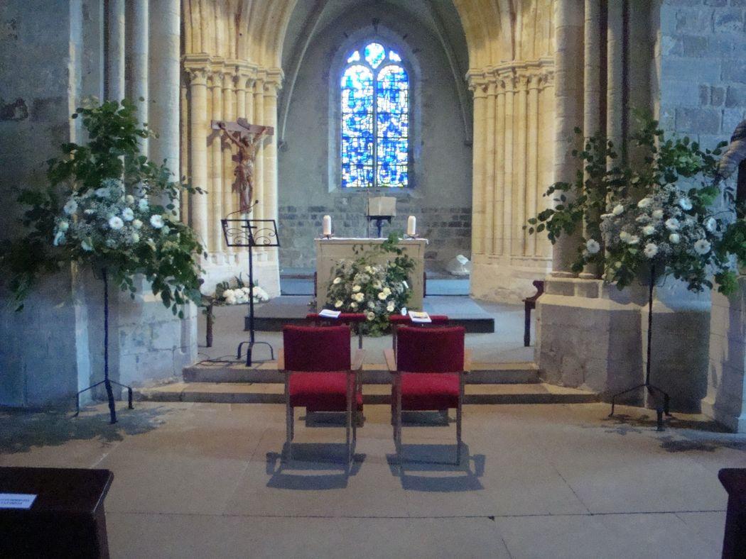 décoration florale dans église
