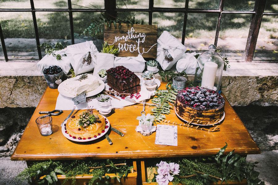 Mesa dulces boda en invernadero
