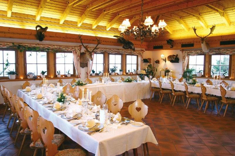 Beispiel: Festtafel, Foto: Gipfelhaus Magdalensberg.