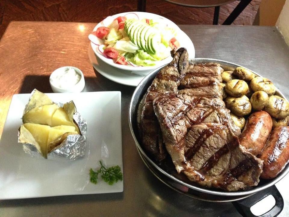 Cuarto y Mitad - Beef & Bar