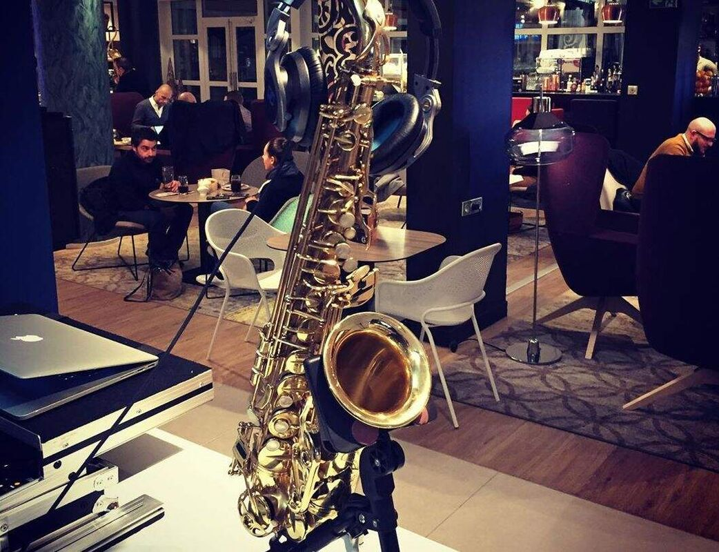 """DJ Saxophoniste """"Love and Song"""""""