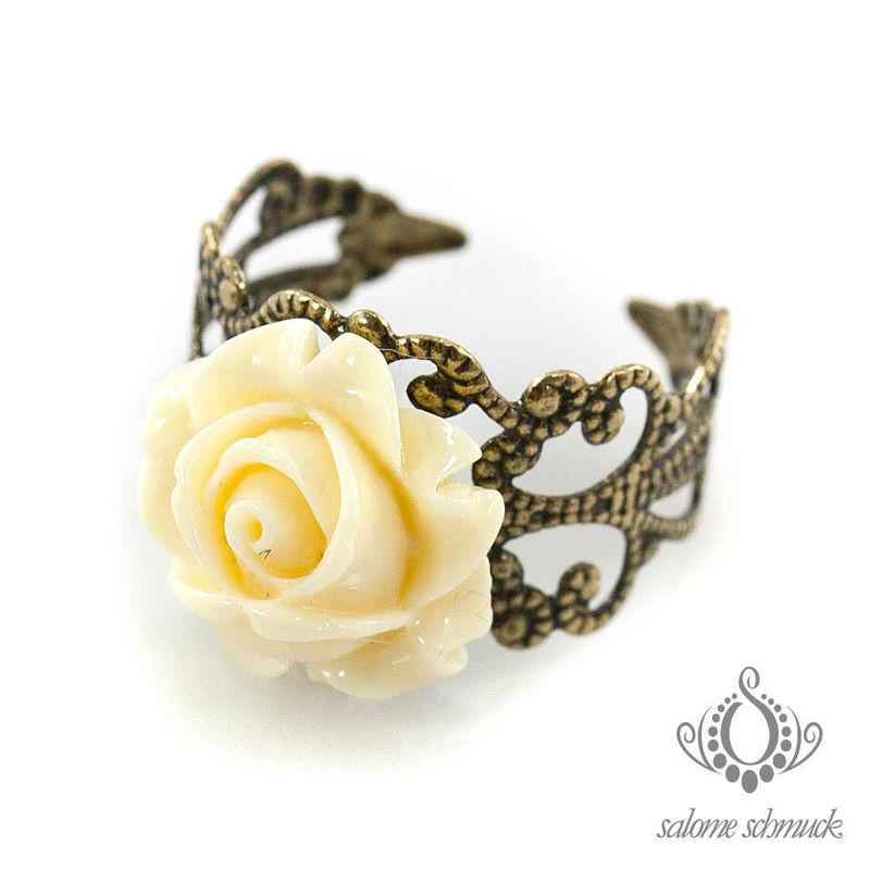 Beispiel: Wunderschöne Ringe, Foto: Salome Schmuck.