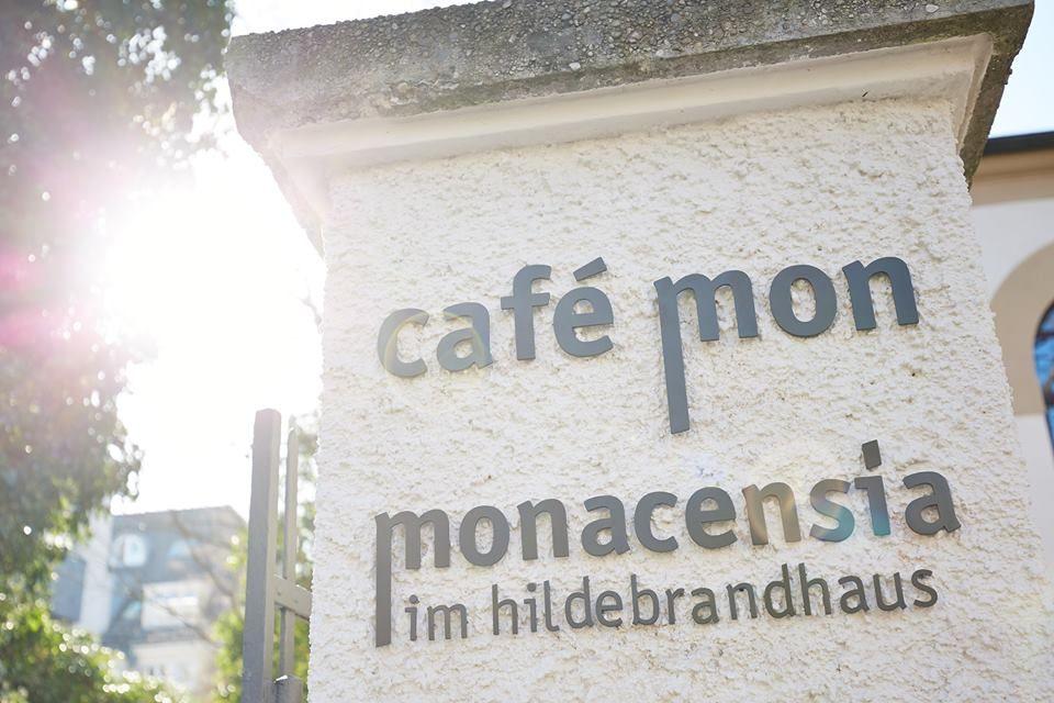 Café Mon