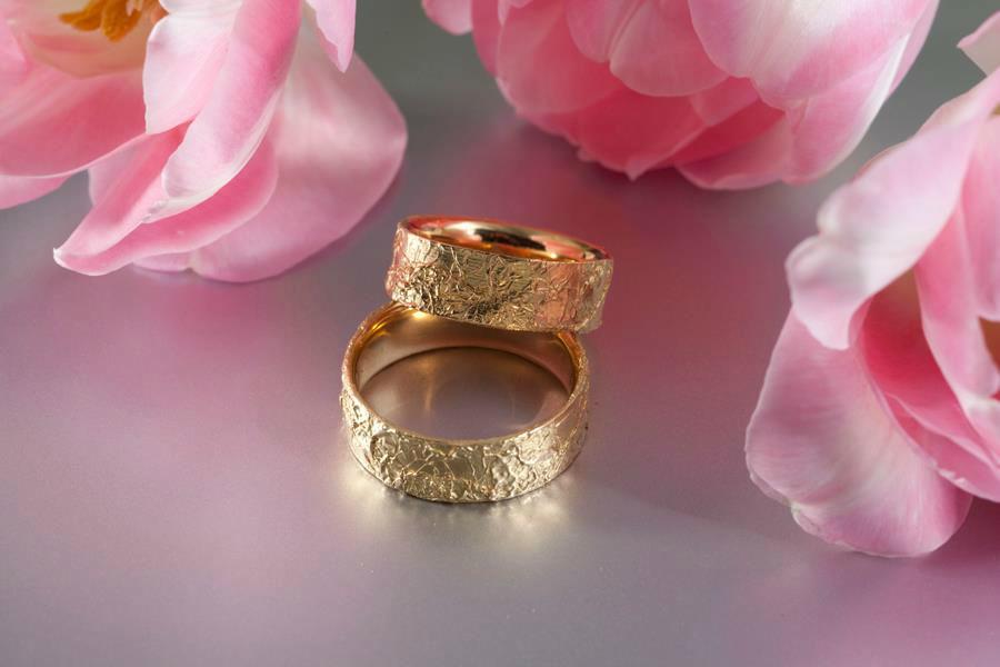 Beispiel: Ringe für den schönsten Tag in Ihrem Leben, Foto: Stähli Goldschmied.