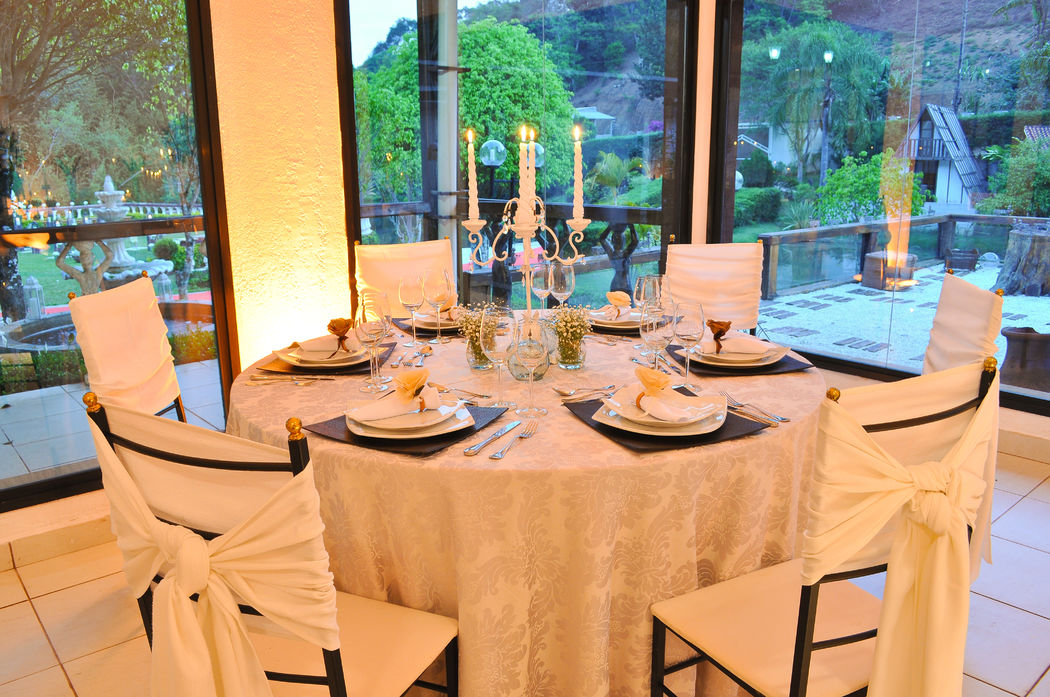 Mesa dos Convidados - Decoração com velas