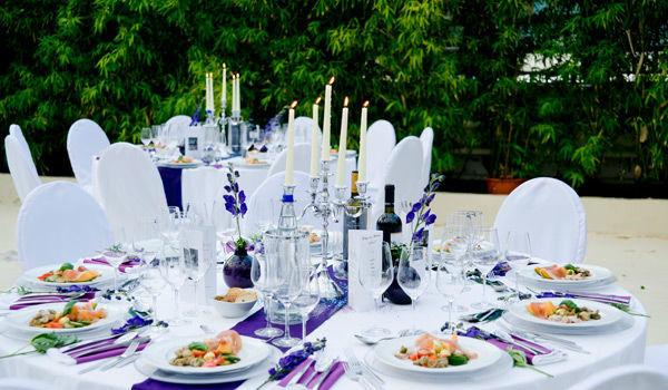 Beispiel: Angerichteter Hochzeitstisch, Foto: Sinnesfreunde.