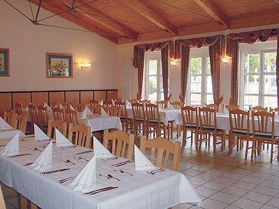 Beispiel: Hochzeitstafel, Foto: Landgasthof Reisinger.