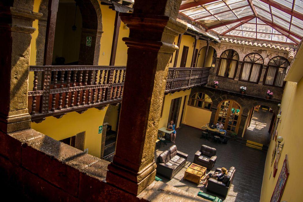 Cusco Plaza Nazarenas