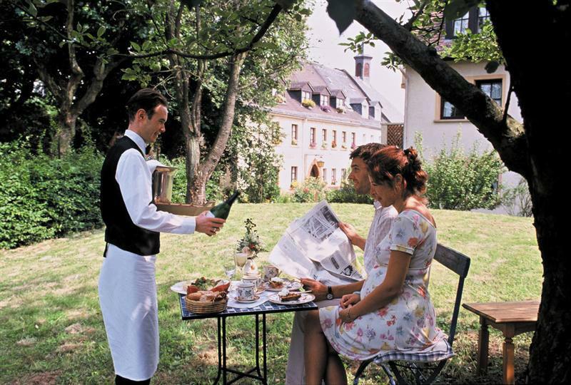 Beispiel: Service in ländlicher Idylle, Foto: Landhaus Diedert.