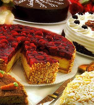 Beispiel: Süße Kuchen und Torten für Ihre Kaffeetafel , Foto: Landhaus Hubertus.