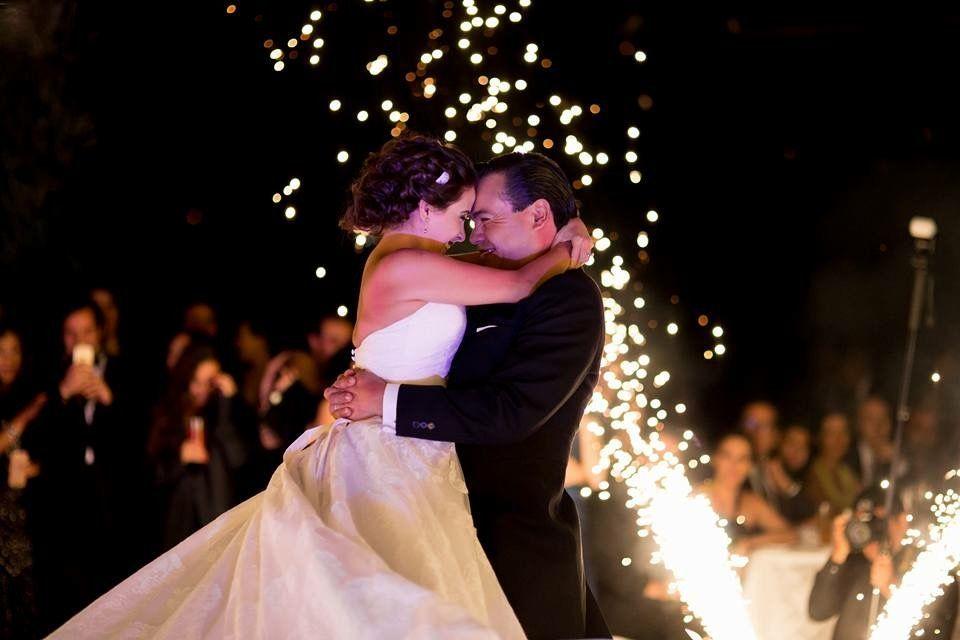 we love weddings