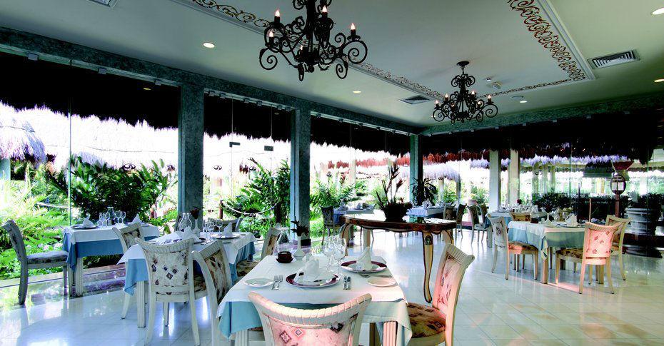 Hotel Grand Palladium Colonial