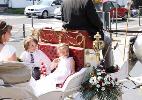 Beispiel: Hochzeitskutsche, Foto: Hotel zur Post.