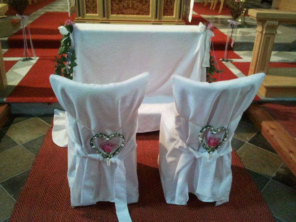 Beispiel: Kirchendekoration, Foto: Festdeko.
