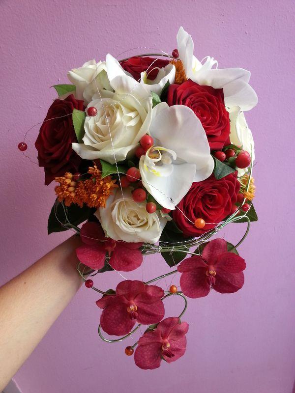Bouquet rond structuré