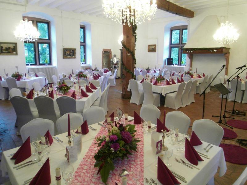 Beispiel: Ihr Hochzeitsgedeck vom Partyservice, Foto: A-Z Erftland Partyservice.