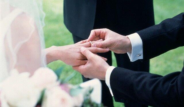 Un prêtre pour nous marier