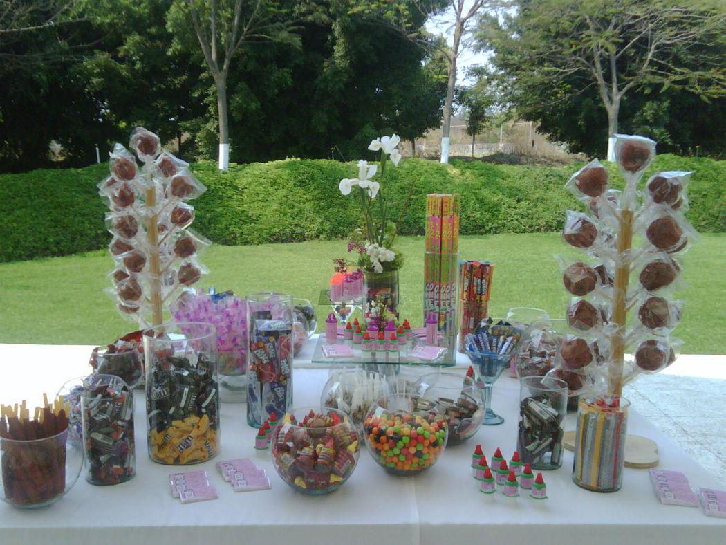 Barra de dulces, chilitos y postres