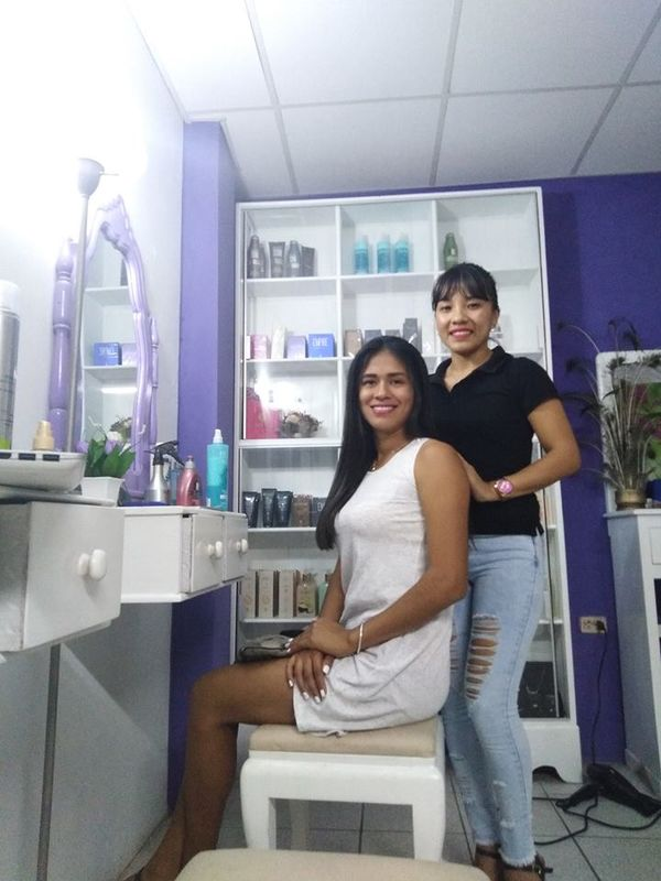 Katherine Vivanco Estilista Maquilladora Profesional