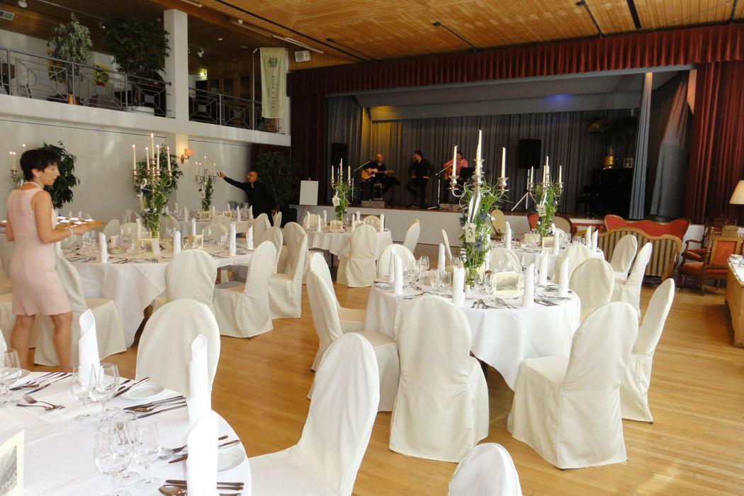 Beispiel: Hochzeitsgedeck, Foto: Hotel Villa Post.