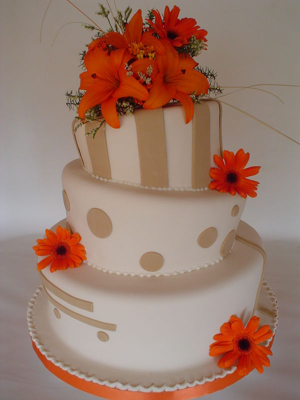 Special Cakes by Ro