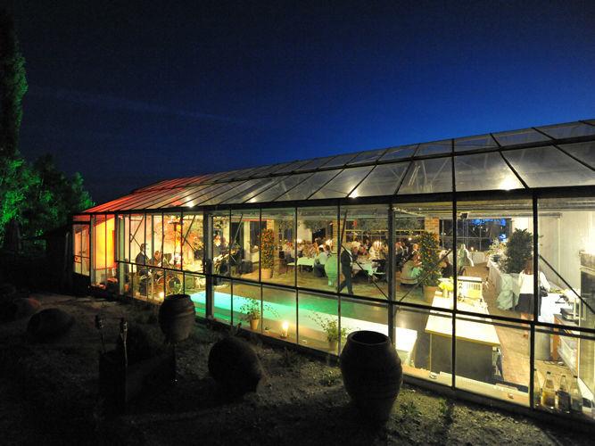 Beispiel: Gewächshaus bei Nacht, Foto: Hesperidengarten.