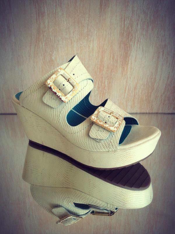 San Ángel   Zapatos y Carteras