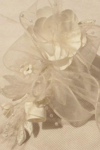 Beispiel: Braut-Accessoires, Foto: Dimitra Brautmoden.