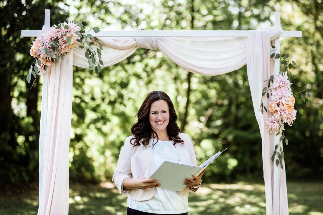 Goldkehle.com, Traurednerin Jennifer Krawehl