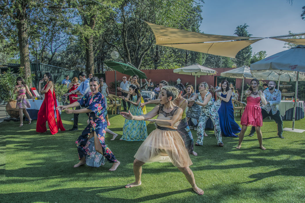 taka- taka dance wedding