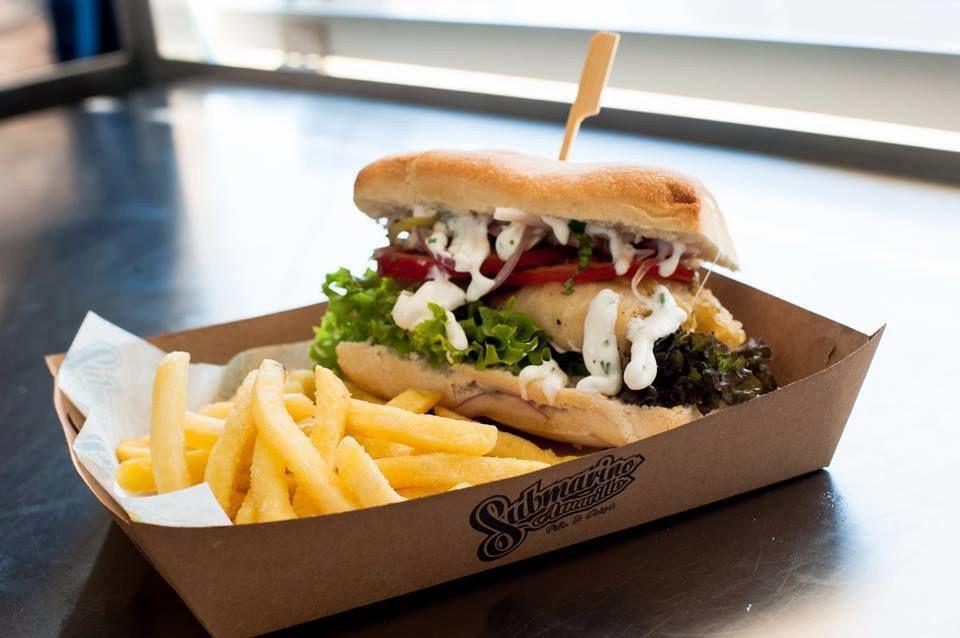 Submarino Amarillo Food Truck