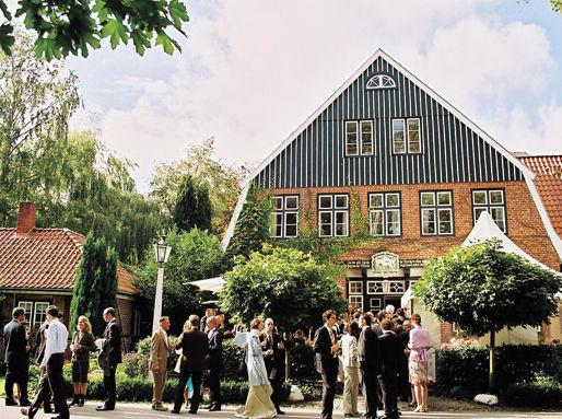 Beispiel: Hochzeitsgesellschaft, Foto: Ole Liese.