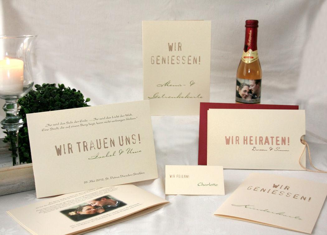 Einladung, Kirchenblatt, Sektetikett,Tisch- & Buffetkarte, Cela-Design