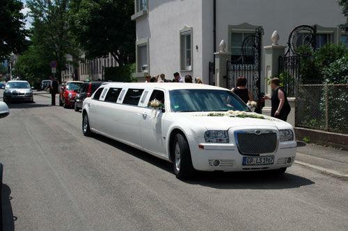Beispiel: Fahrt zum Standesamt oder in die Kirche, Foto: Limousinen Service Germany.