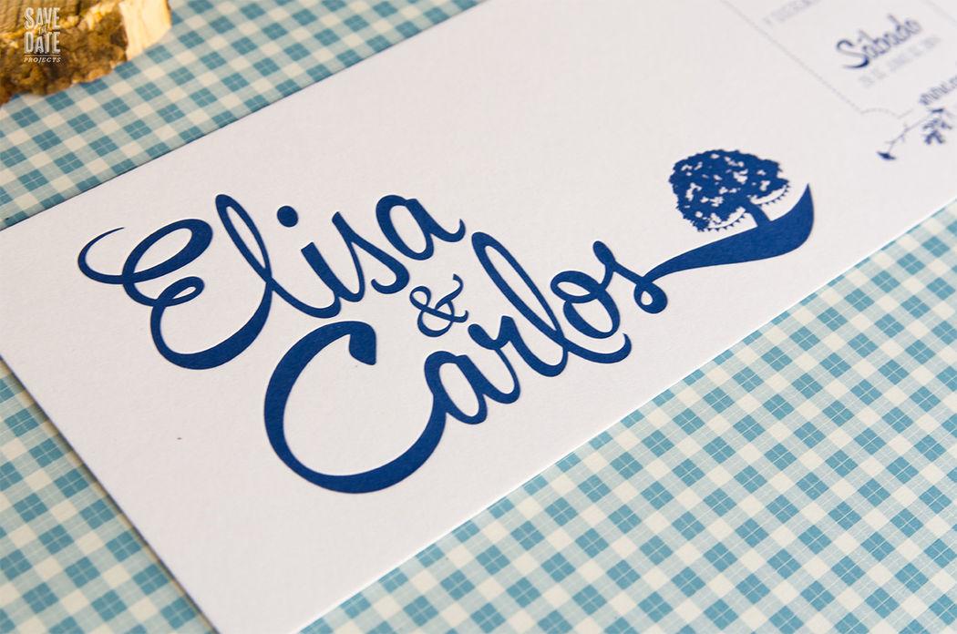 Invitación de boda personalizada con la encina y el color que más les gustaban a los novios.