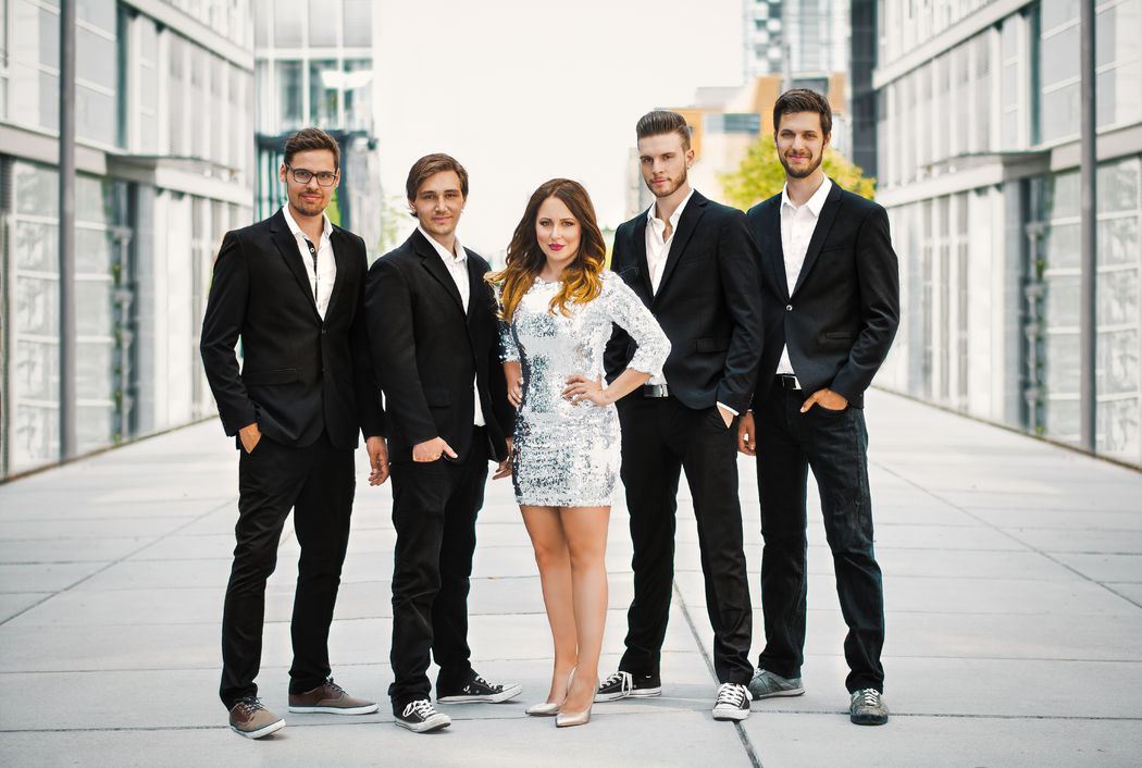 Soundclub 2015 von links nach rechts: Johannes Biegl, Dominik Ehrl, Anna Rodziewicz, Tobias Keil, Pascal Kempa  Foto: Camillo Wiz Photography Hair & Make Up: Paula Tsukino Make Up Artist & Hairstylist