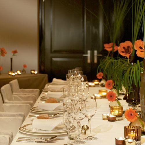 Beispiel: Wunderschöne Tischdekoration für Ihr Hochzeitsessen, Foto: Hotel de Rome.