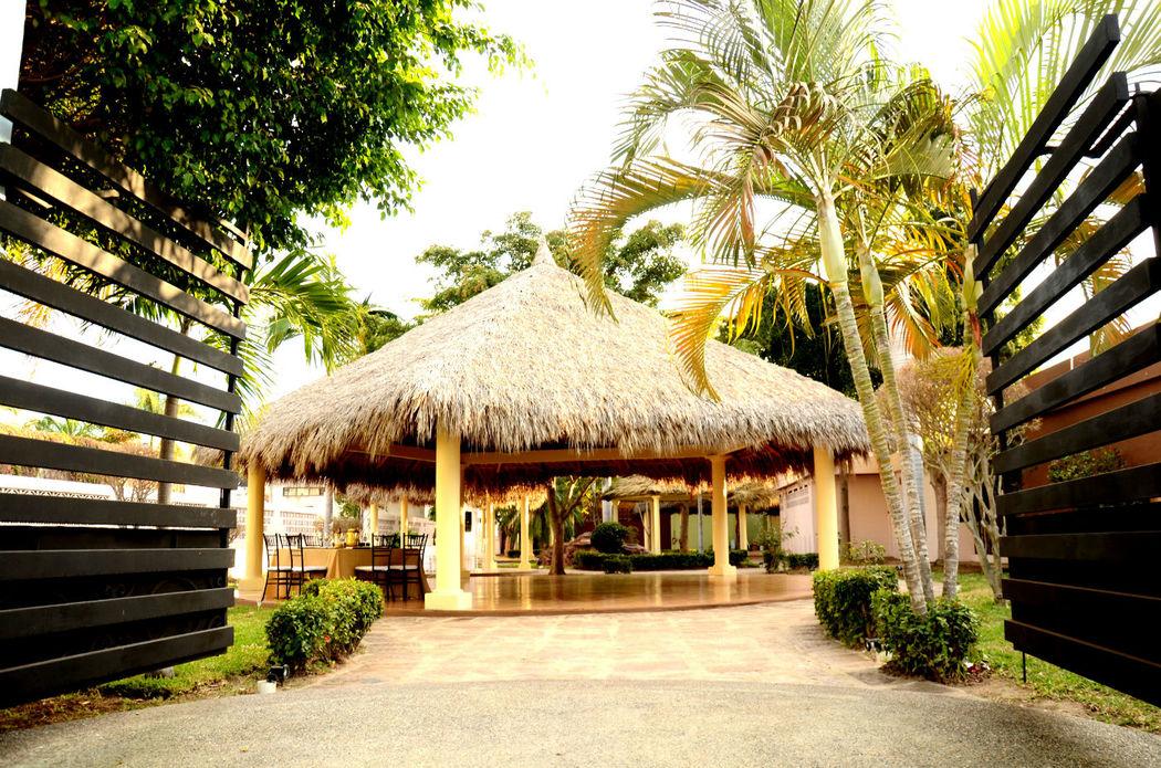 Salon Laguna Garden