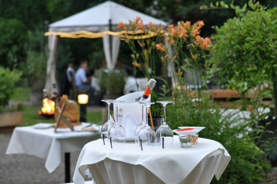 Beispiel: Außenbereich - Empfang, Foto: Hotel Eden - Restaurant garbo.