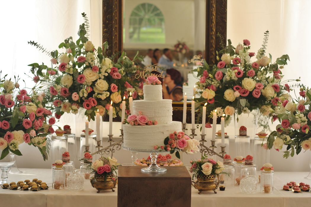 Wedding cake table, design - Lowe Luxury events