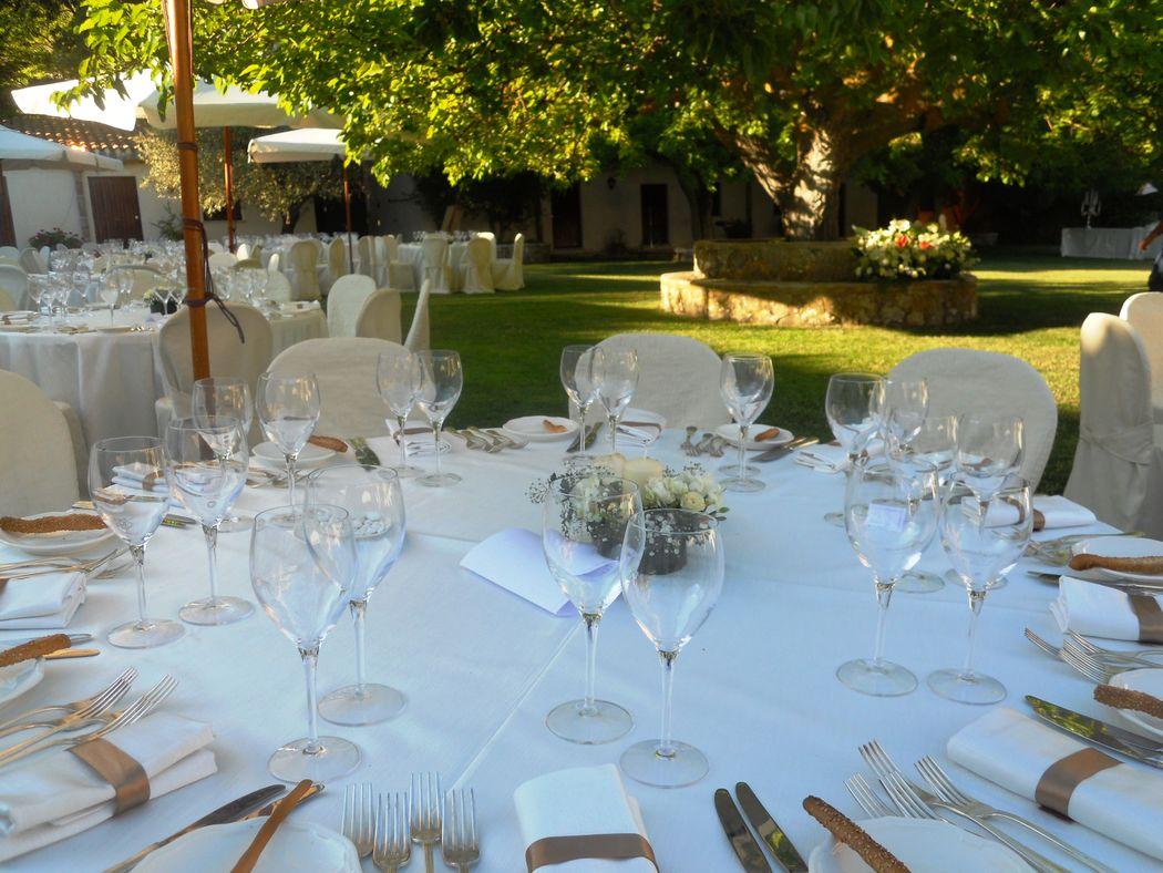 Masseria Rossella - Ricevimento di nozze sul prato