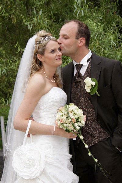 Beispiel: Komplettes Brautstyling, Foto: Welt der Schönheit.