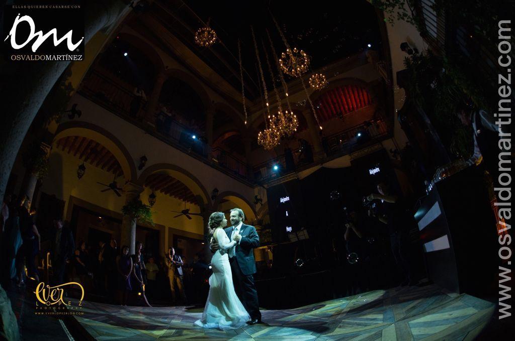 Osvaldo Martínez Wedding Planner