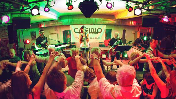 Beispiel: Auftritt, Foto: Casino.