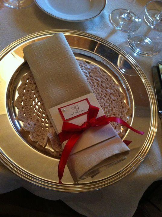 Menù per matrimonio rosso con perle