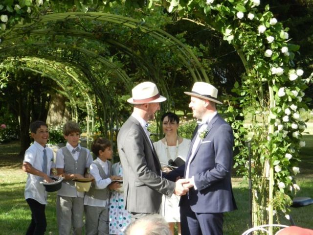 Officiante Mariage               by Hamadryades