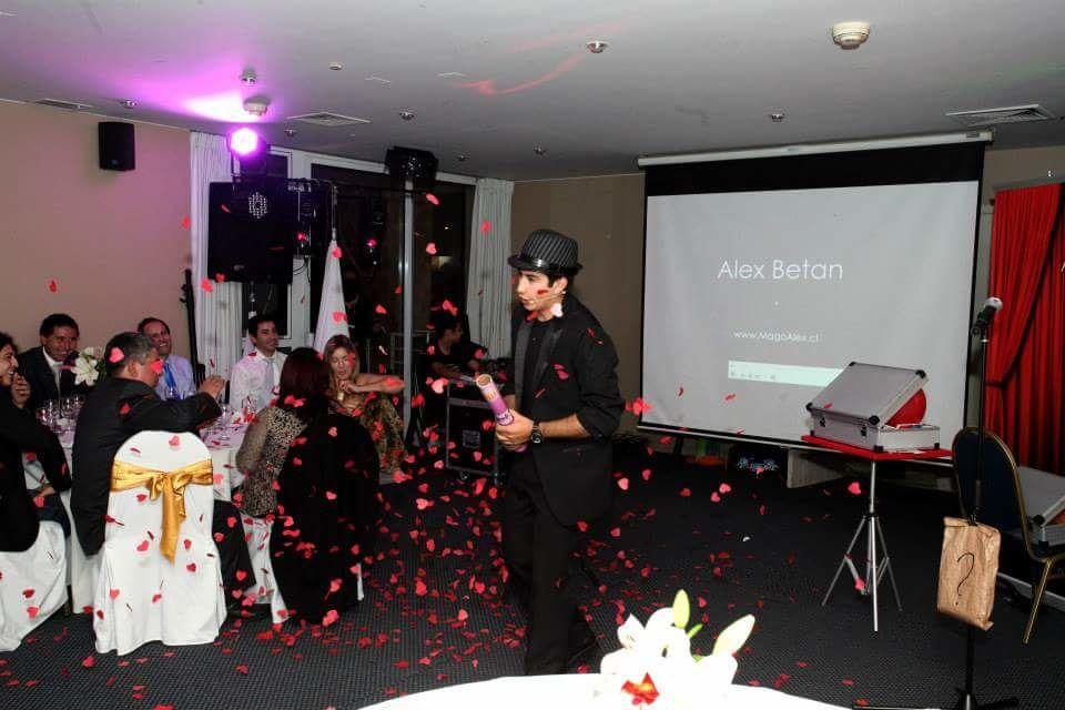The Show Alex Betancourt