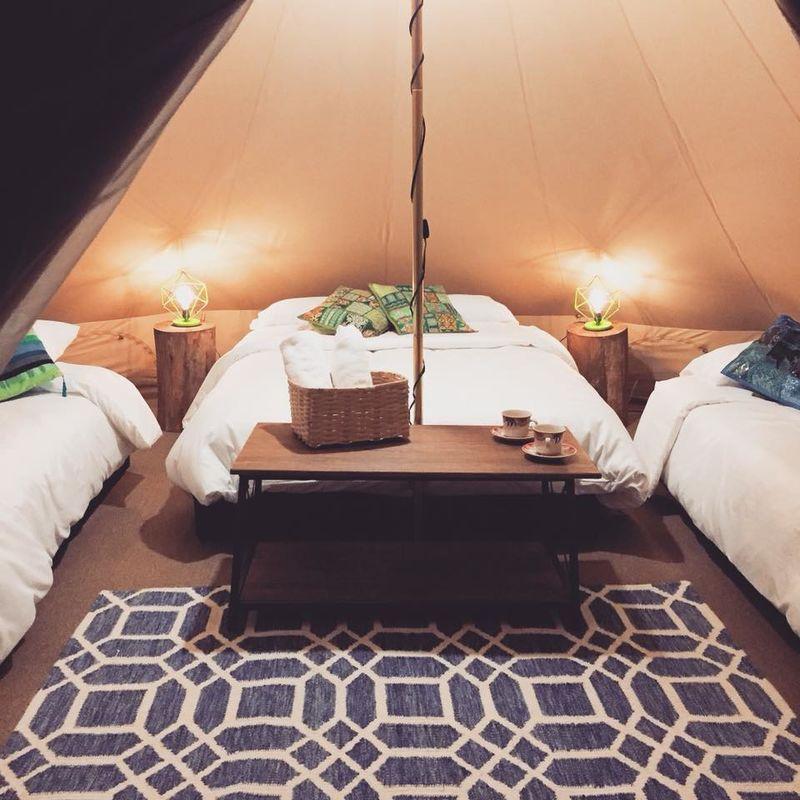 Lumbre Glamorous Camping